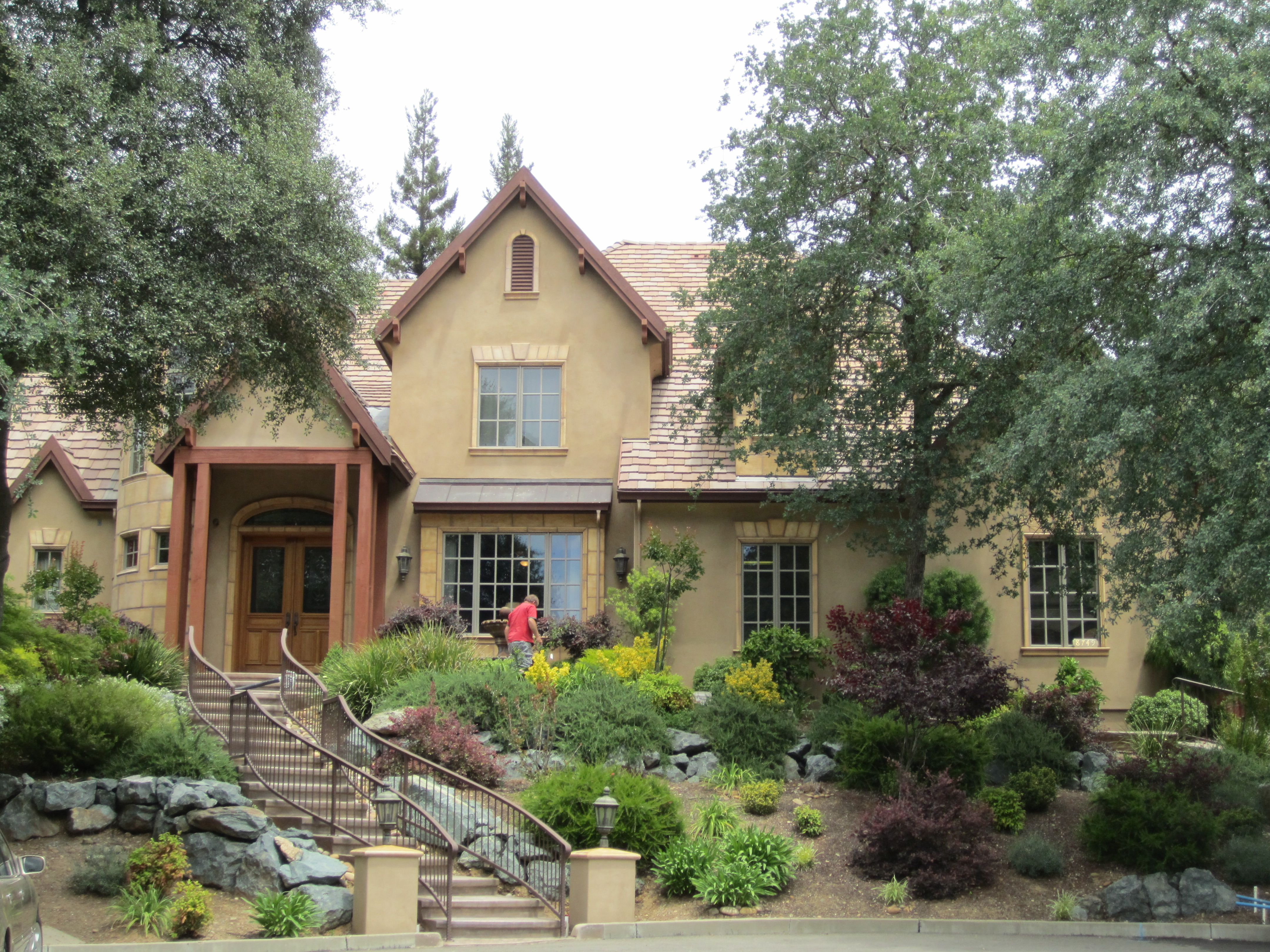 Gorgeous home near Sailor Bar and river access to the American River trails.