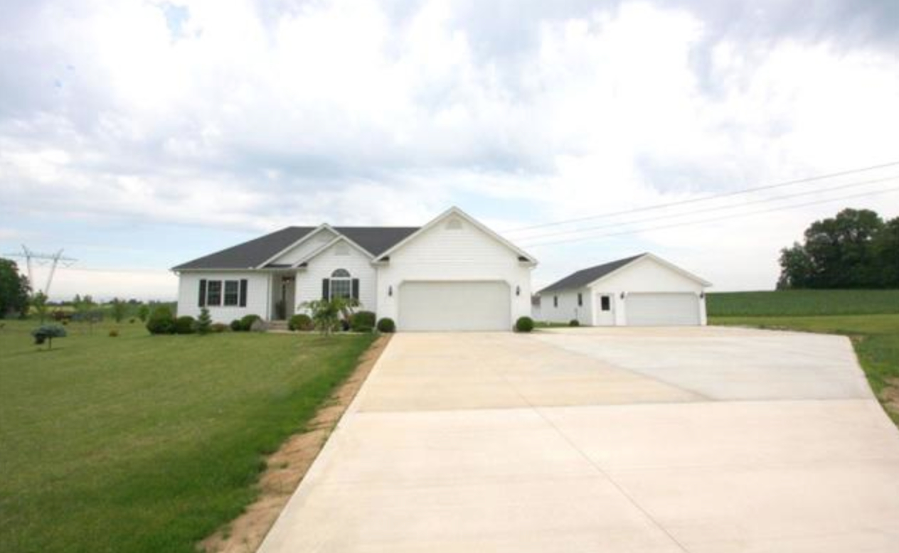 Fredericktown ohio homes for sale made quick and easy online for 6 car garage homes for sale