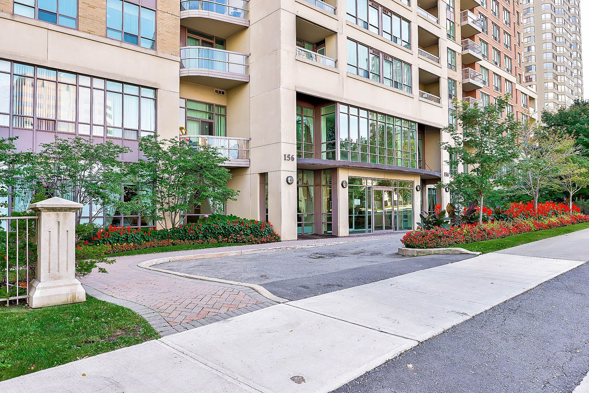 156 Enfield Place, Mississauga Condo for Sale