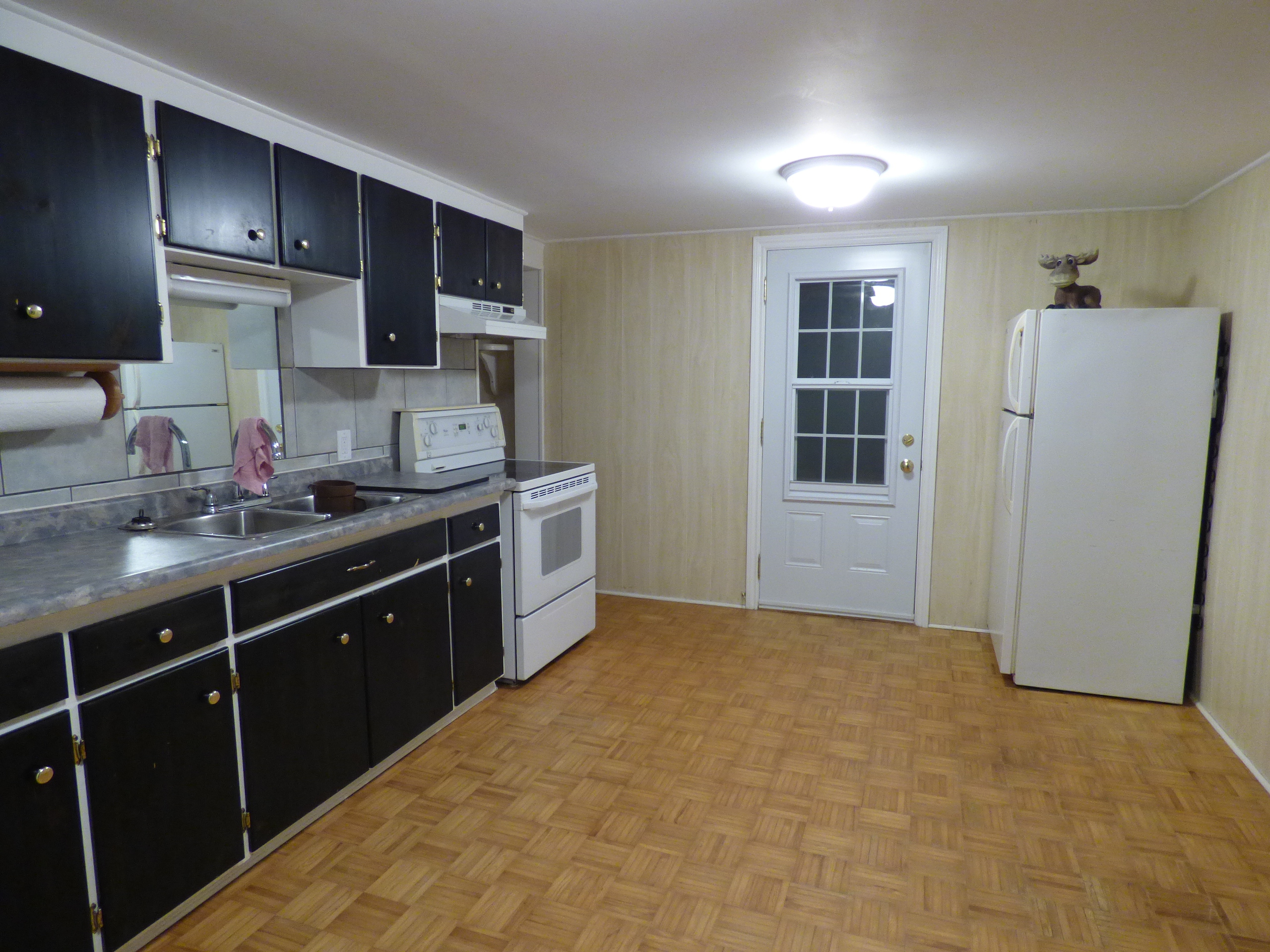 House for sale 2286 new street burlington on 1 4 acre for Separate kitchen units