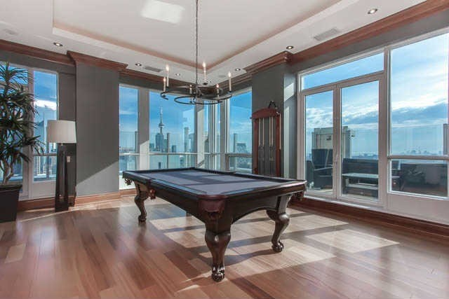Former leaf phil kessel sells his toronto condo in the for Pool show toronto