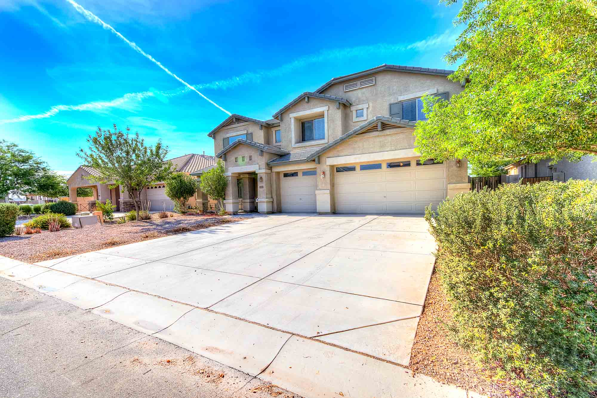 4 bedroom 2.5 bath home for sale in magic Ranch Florence AZ 85132
