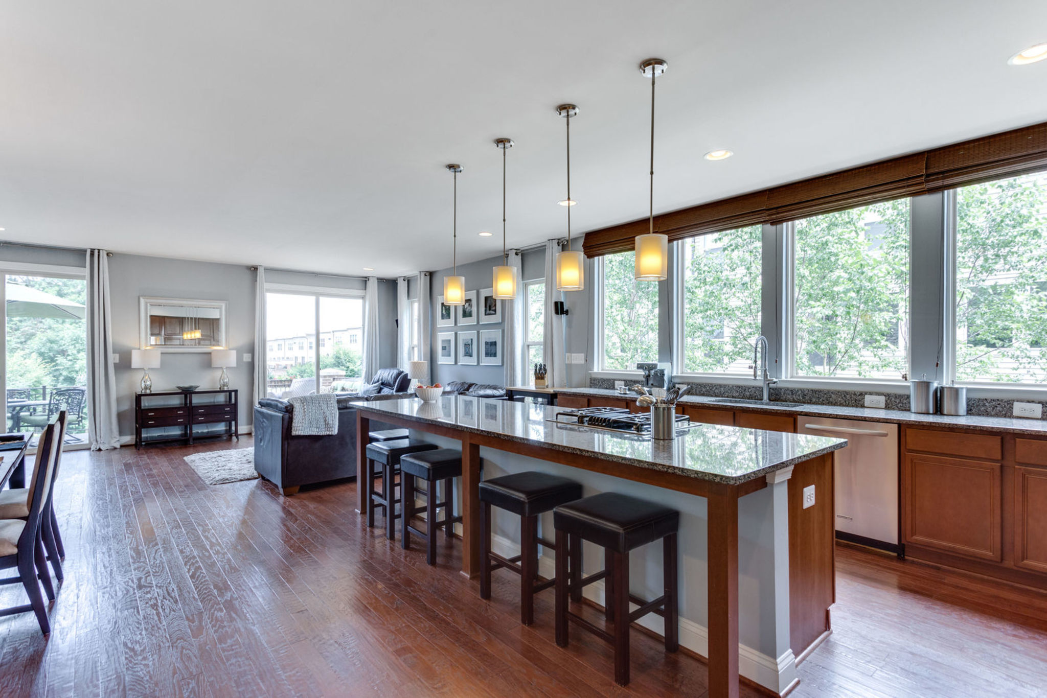 Luxury Townhouse For Sale in Brambleton
