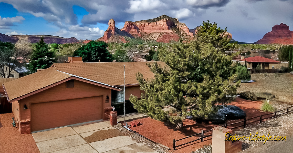 Views of Castle Rock - Bell Rock - Courthouse Butte