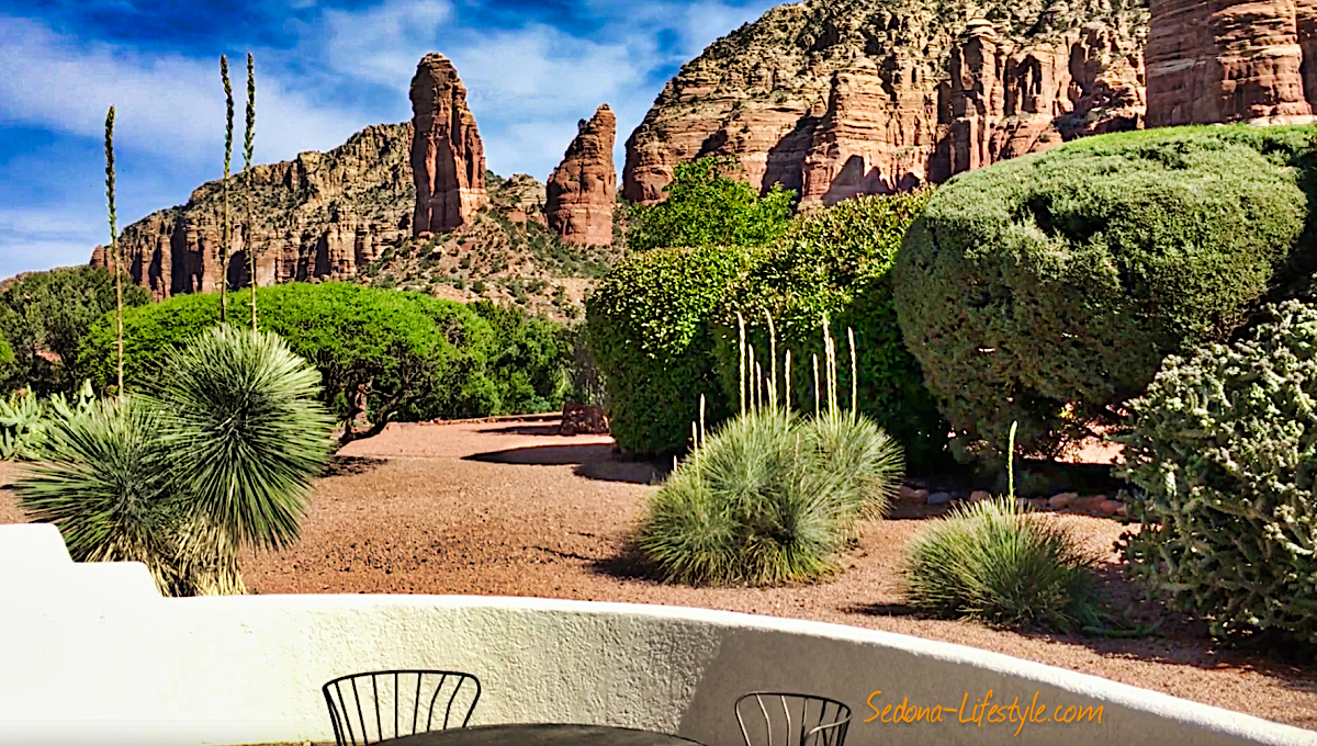 Pine Valley red rocks view from courtyard