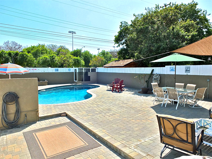 Gorgeous Lakewood Pool Home For Sale Near Long Beach Towne