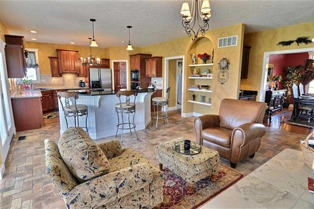 West Lafayette Winding Creek 5 bedroom home for sale with granite kitchen counters