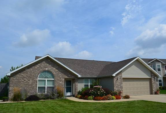 West Lafayette Shawnee Ridge 3 bedroom 2 full bath ranch home for sale fenced backyard and deck