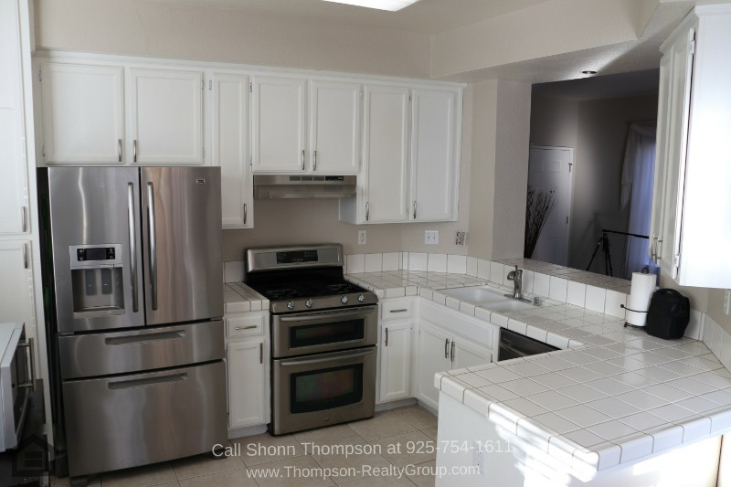 Homes for Sale in Antioch CA - Create your loved ones' favorite dishes in the amply-sized kitchen of this Antioch CA home for sale.