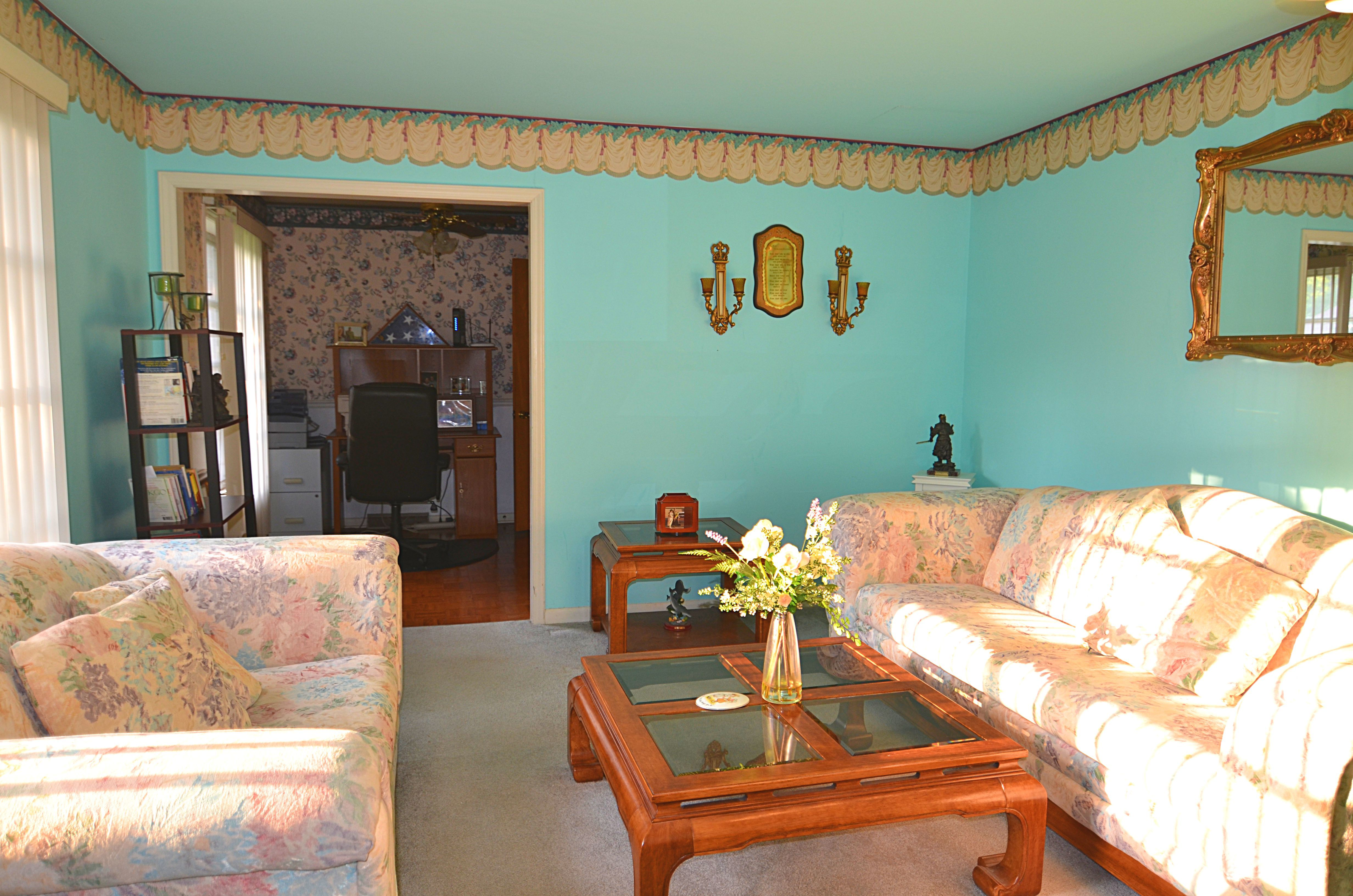 Beautiful full brick ranch home minutes away from Uptow