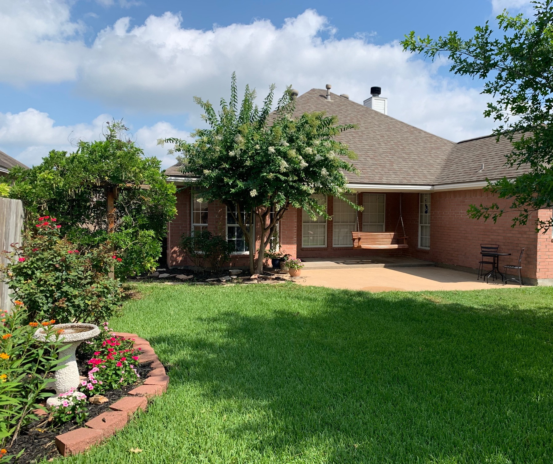 College Station 3/2 - Beautiful, Well-Maintained Home