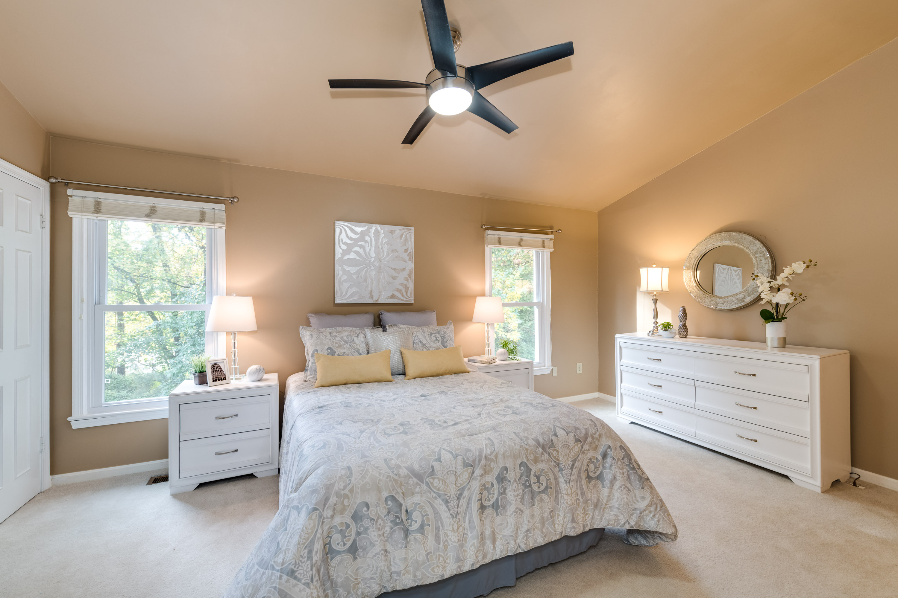 About Deb Harshman And Staged Home Décor And Real Estate