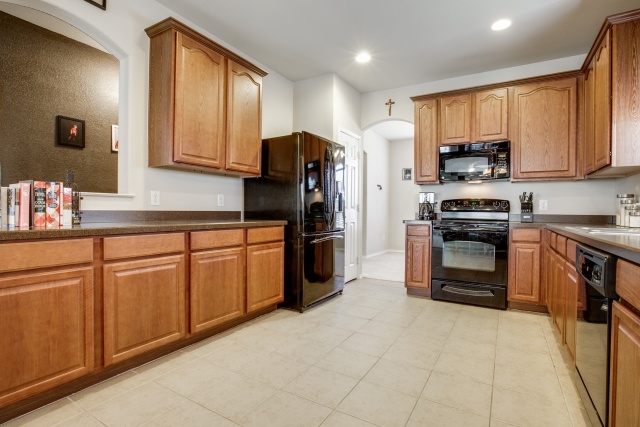 1732 Quail Springs Circle kitchen