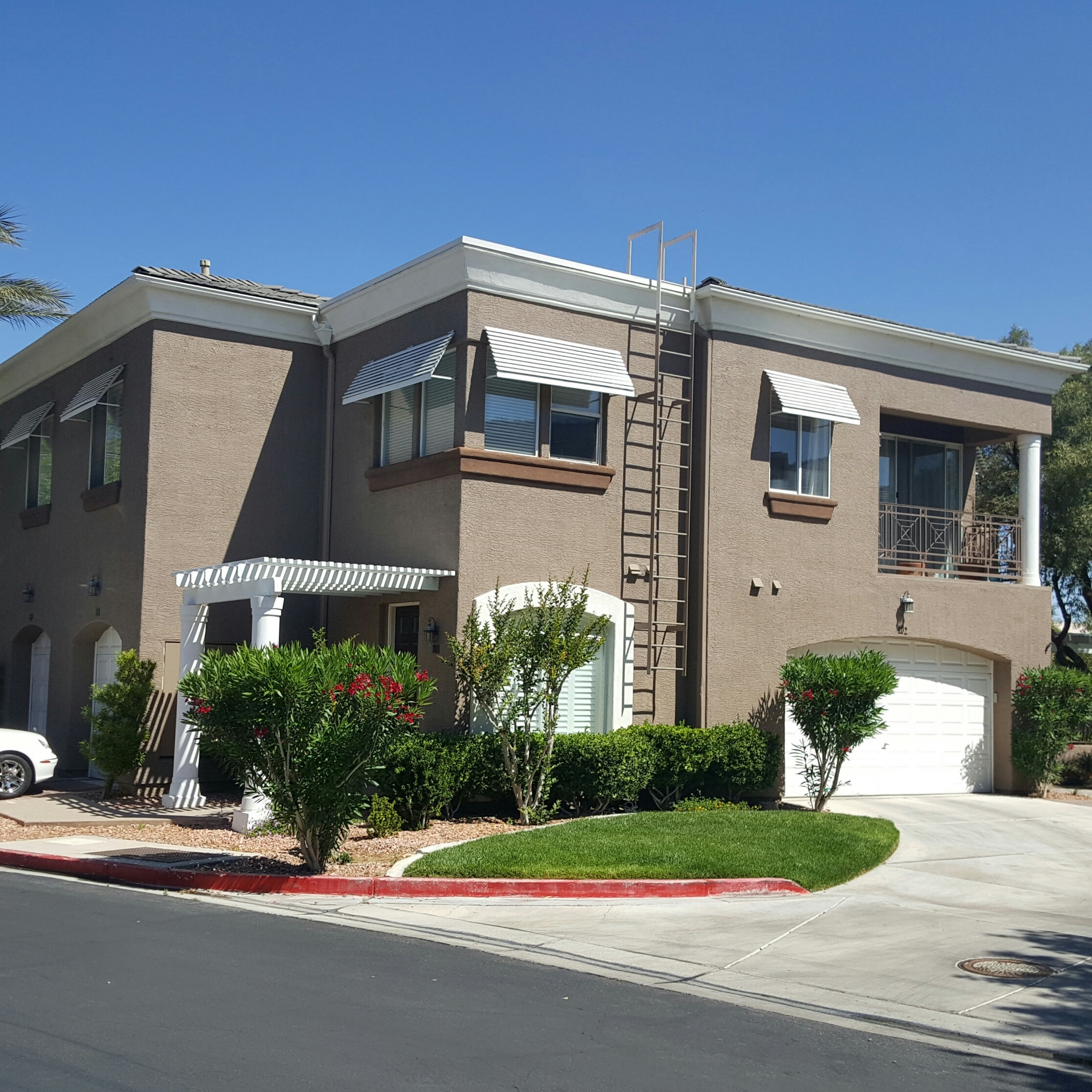 gorgeous gated summerlin condo 239 000