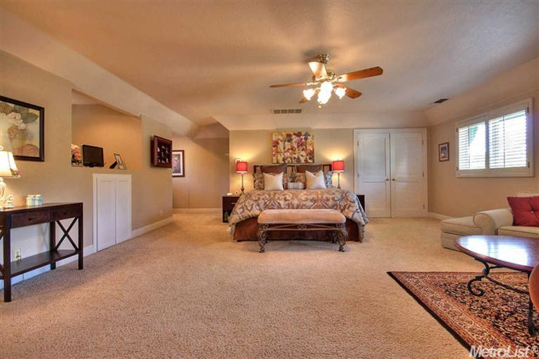 Inside million dollar homes master bedroom for Homes for sale inside