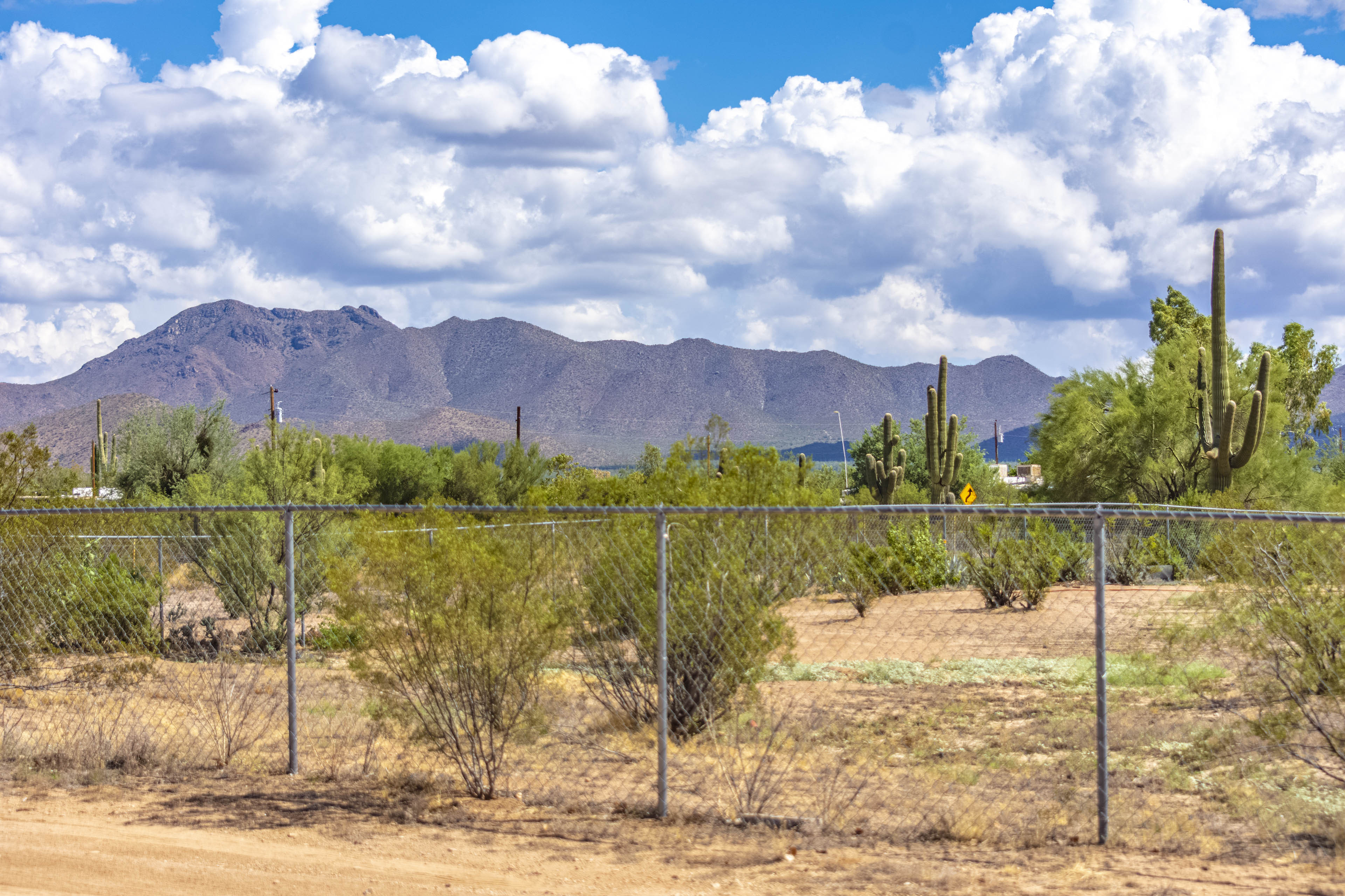 Mountain Views West Tucson Horse Property Santa Fe