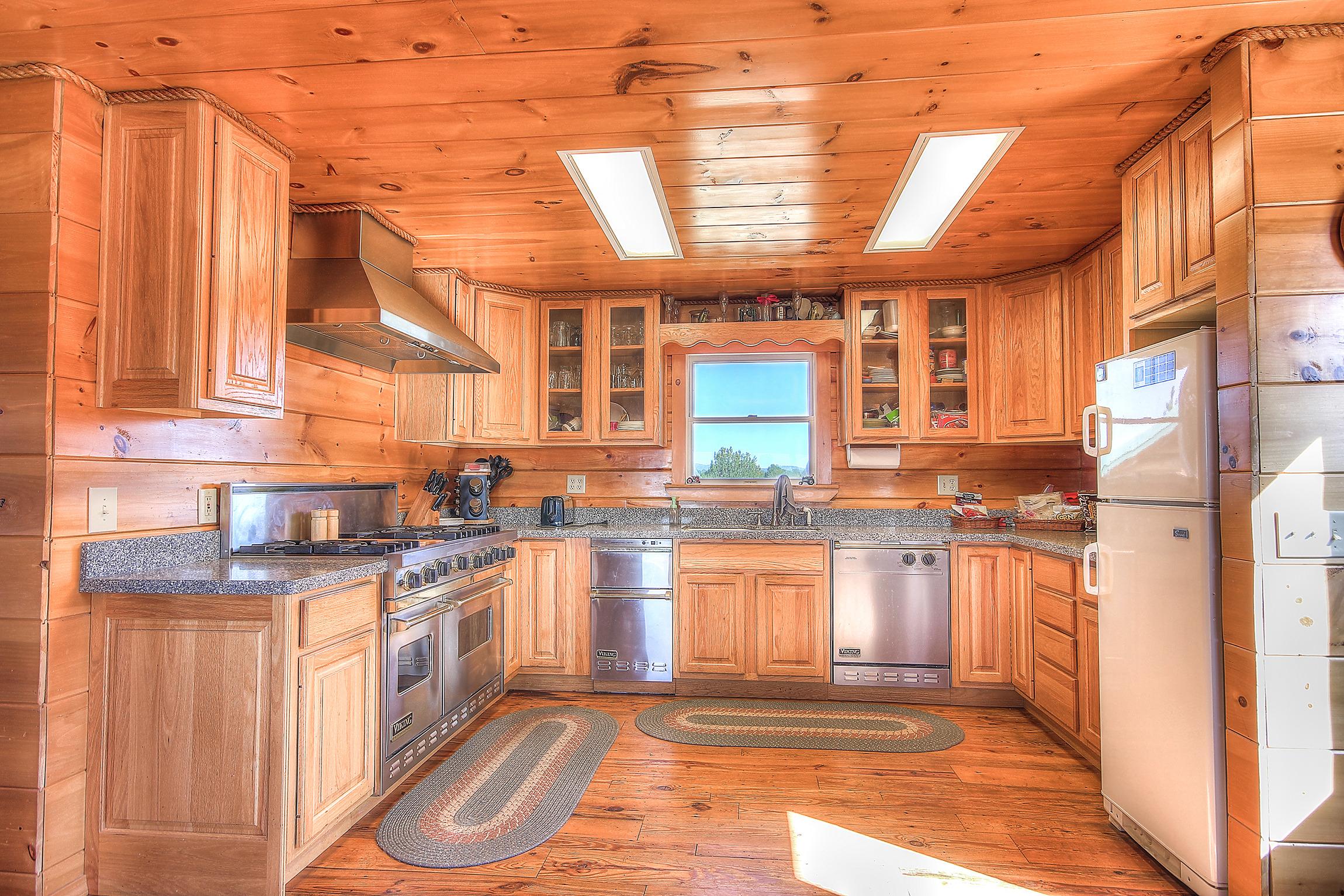 for sale 2 bedroom off grid log cabin on 55 acres w