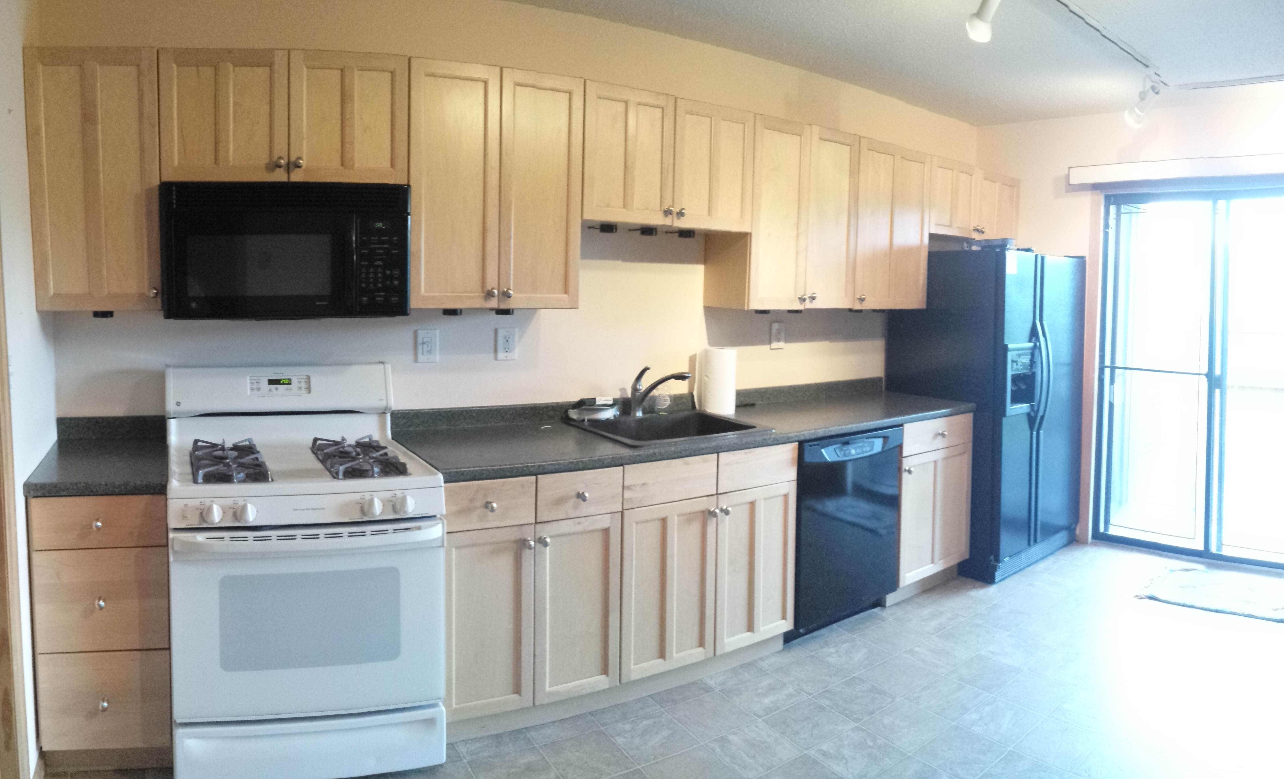Kitchen Cabinets Edison Nj Amazing Value On This Westgate Square Townhome In Edison Nj