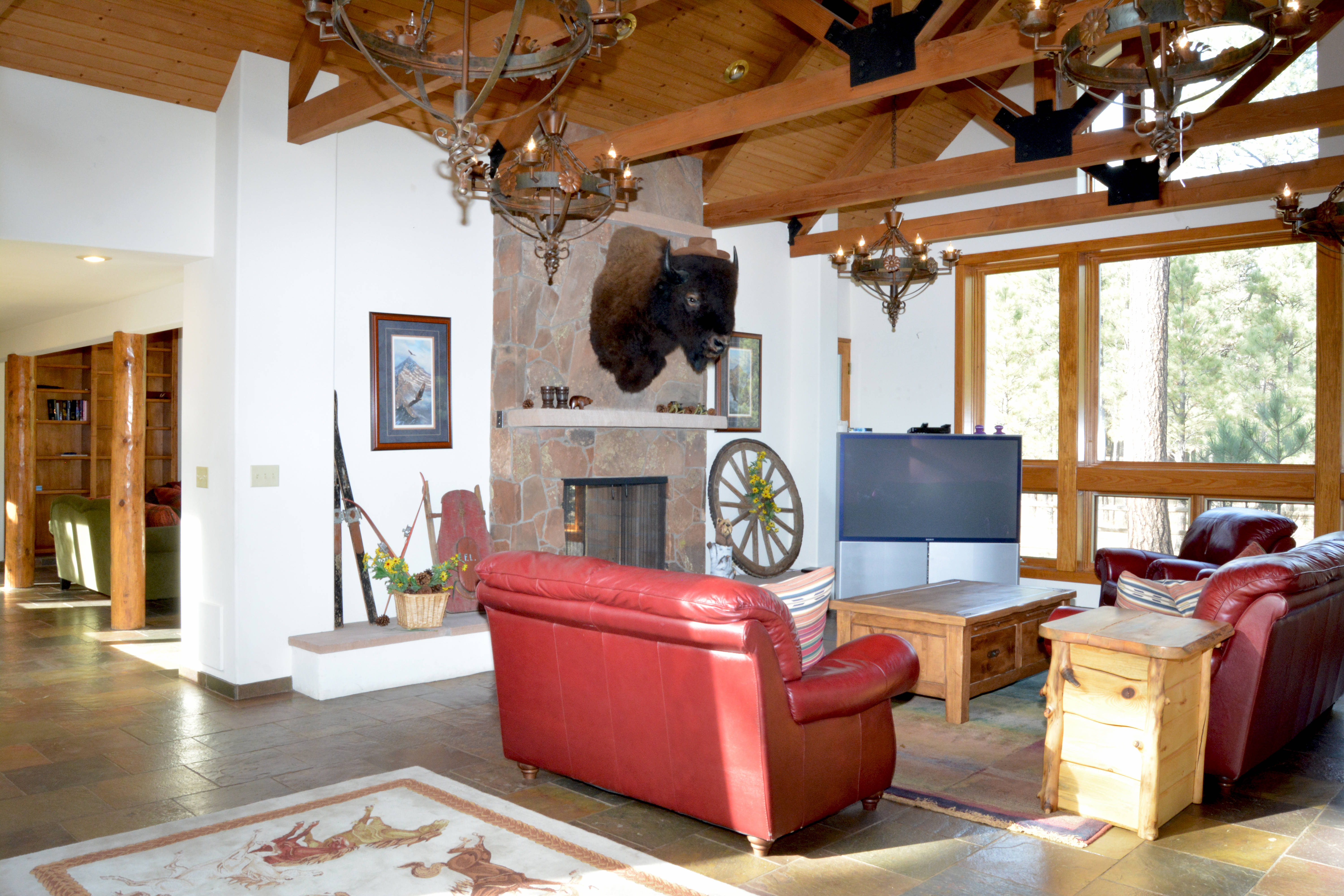 az stores img minutes the in forested club from living furniture flagstaff collins real estate team country
