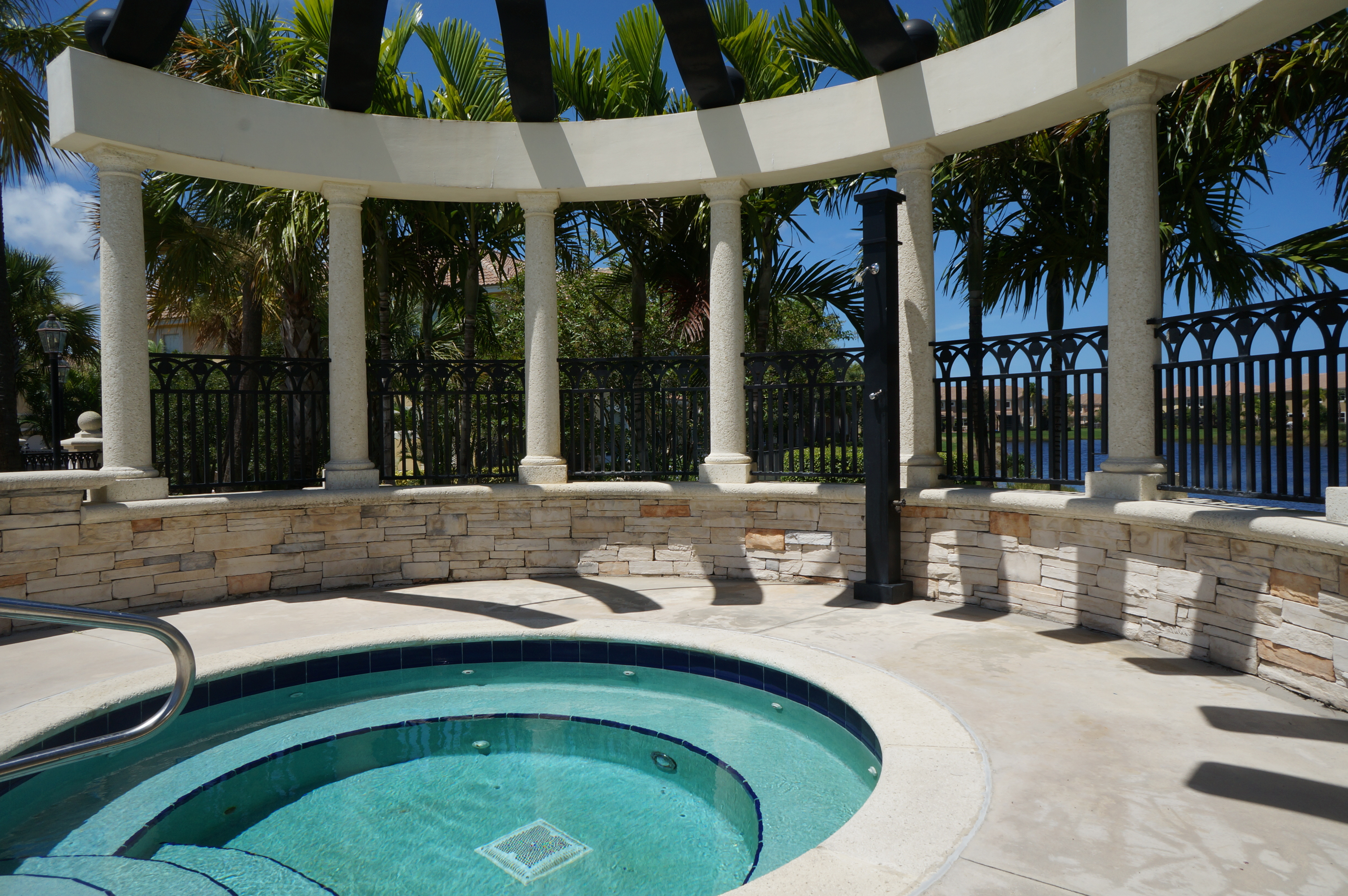 Paloma Community Pool Palm Beach Gardens