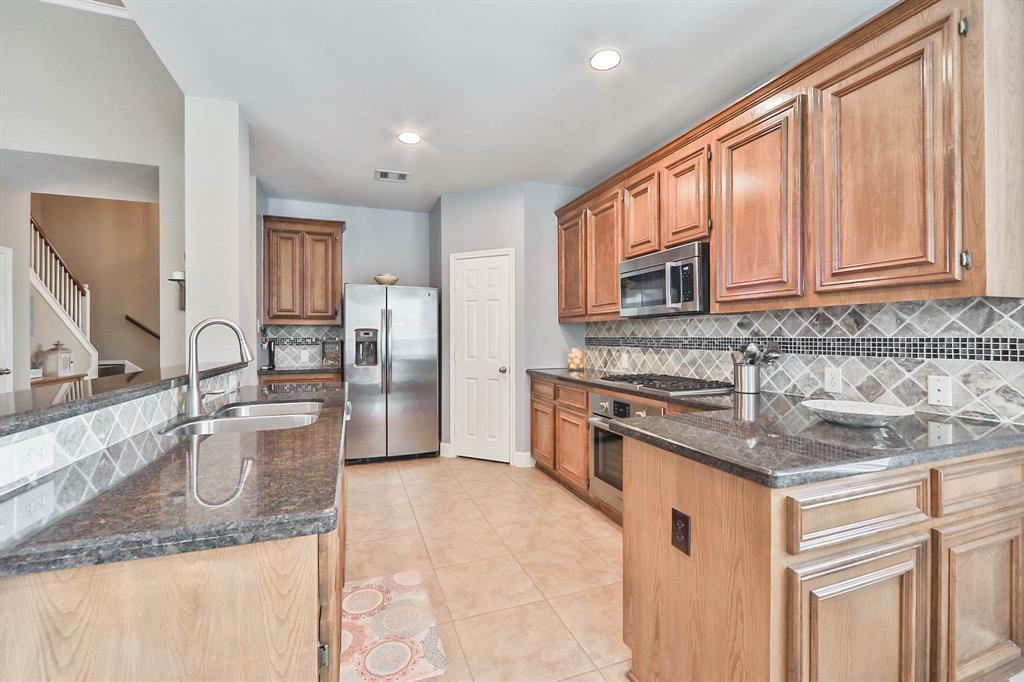 ... 10x20 Ft. Walk In Attic For Additional Storage. Dream Up Delicious  Cuisines In The Spacious Kitchen With Gas Cooktop, Corner Pantry, And  Breakfast Bar.