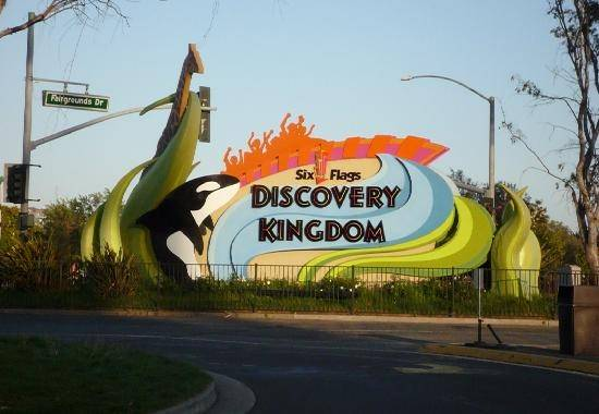 Cheap Six Flags Discovery Kingdom Hotels. (2 km) of Solano County Fairgrounds and Six Flags Discovery Kingdom. Vallejo Naval and Historical Museum and Empress See review. Close to freeway and busy road Too much noise They should have nouse free glass windows. Sep 7, Cheap Tickets.