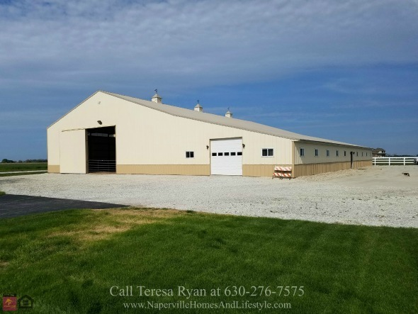 Wilmington IL Horse Farms for Sale - Own your dream property in this Wilmington IL horse farm.