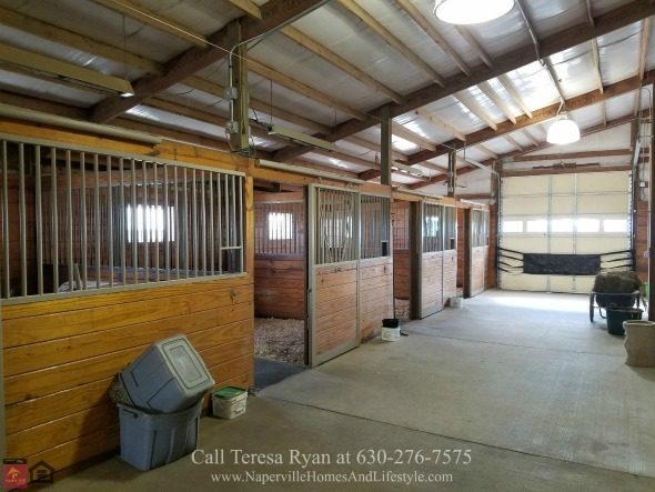 Wilmington IL Horse Farm - This Wilmington IL horse farm is your opportunity to make your dream come true.