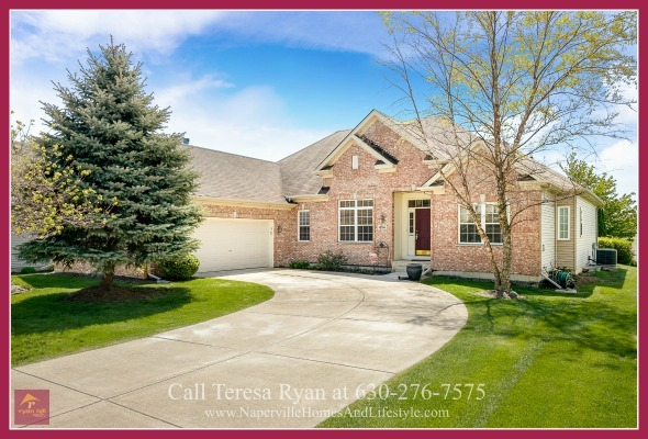 Homes for Sale in Oswego IL - This Oswego home for sale is a perfect home for downsizing.