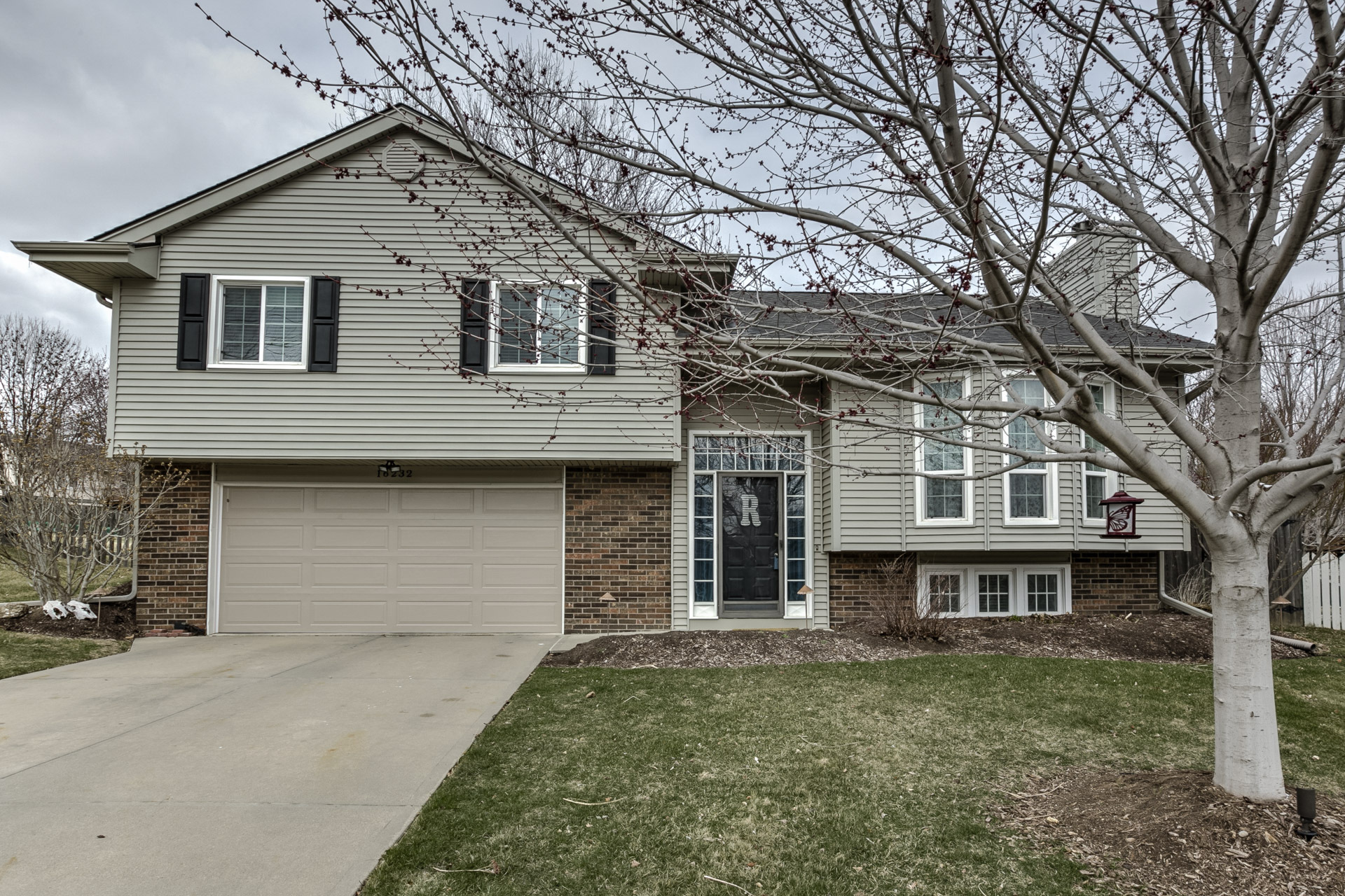 new listing multi level home for sale in prairie point