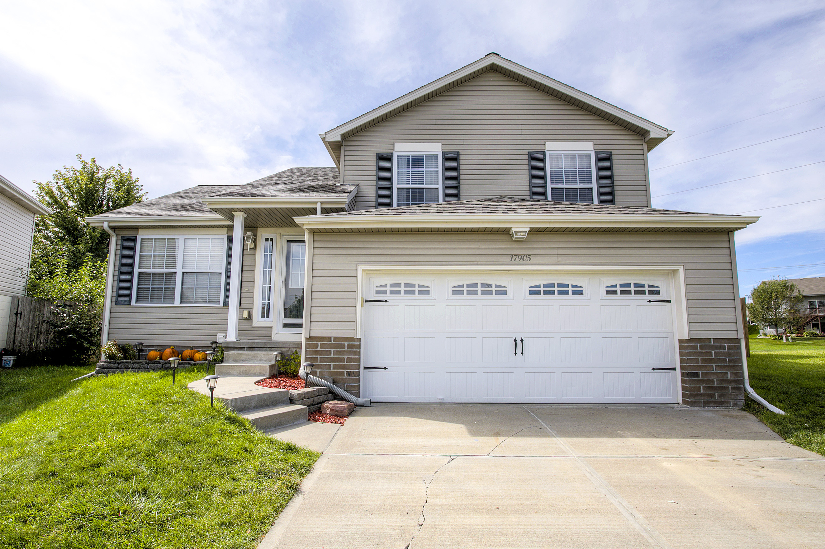Omaha Home For In Hickory Ridge