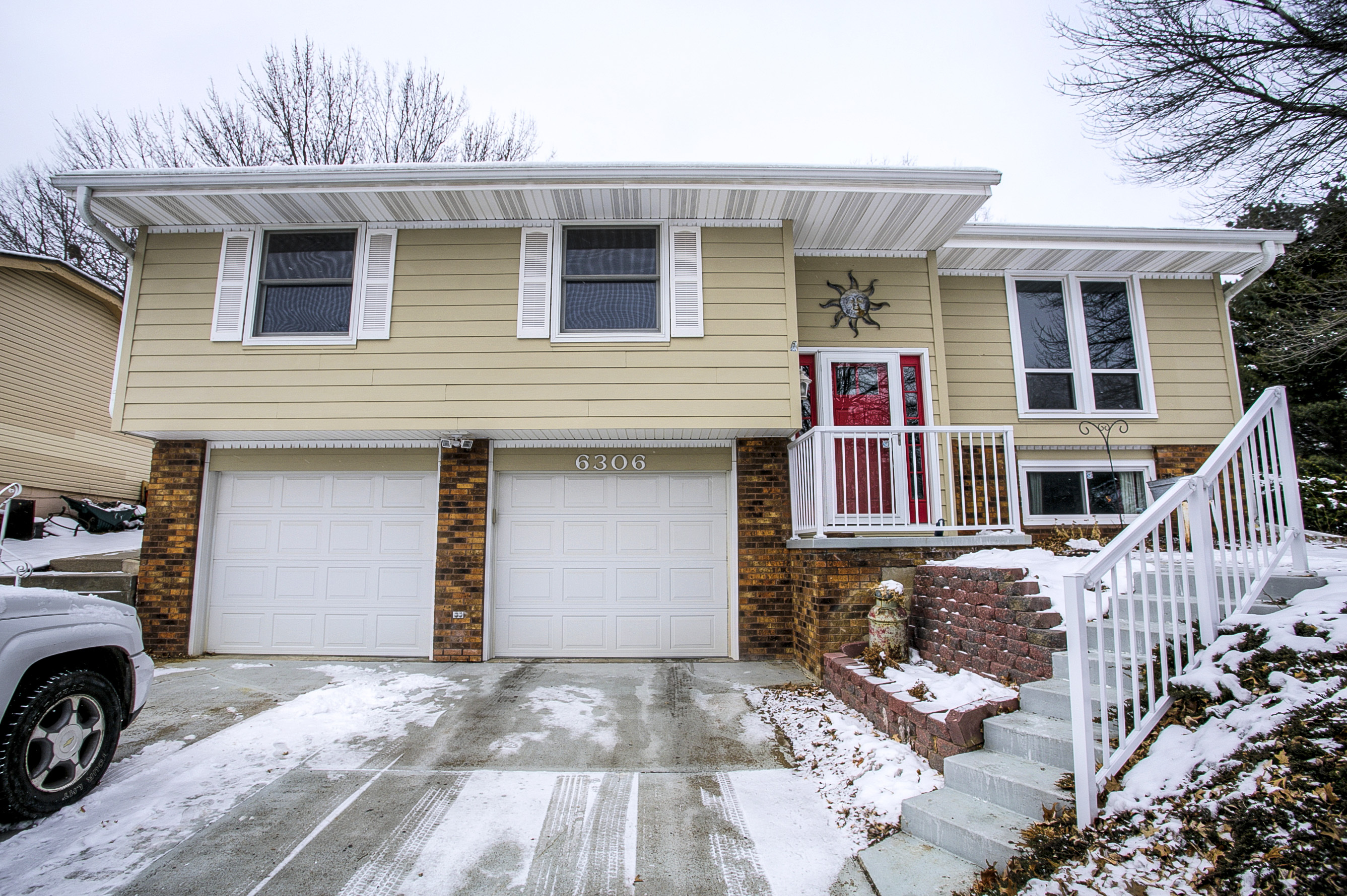 New Listing Split Entry Home For Sale In Turtle Creek