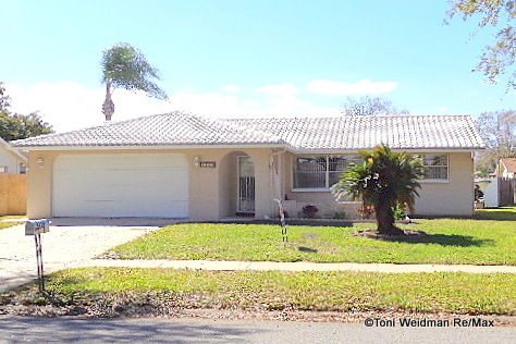 Wood Trail Village Pool Home Is Pending-New Port Richey, FL