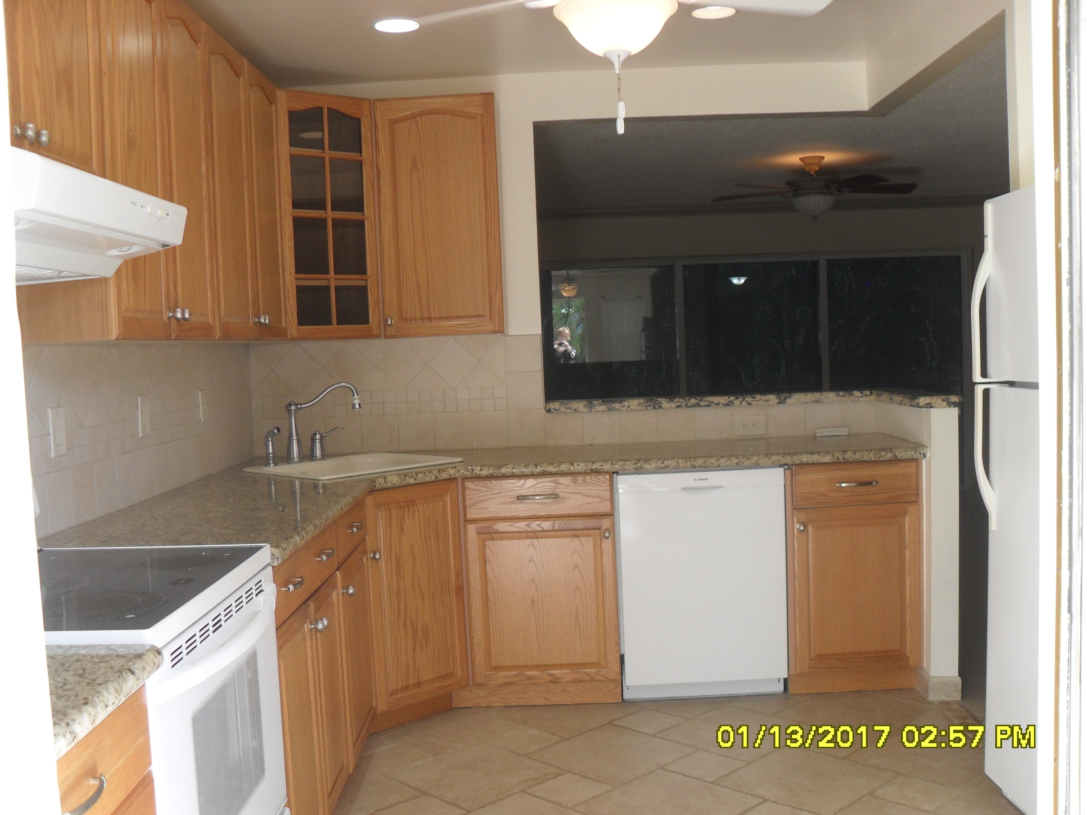 215 Fairways 400 kitchen