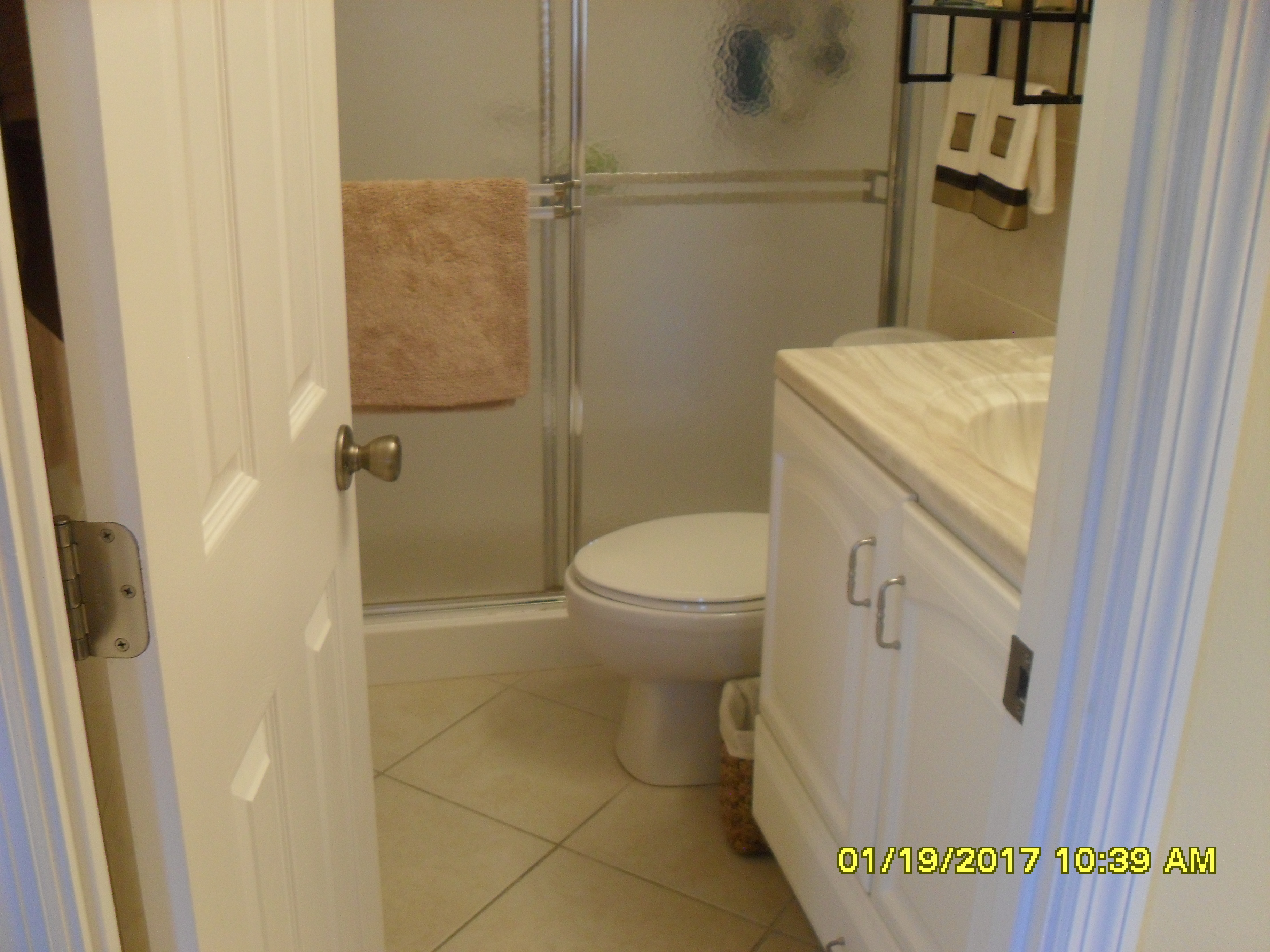 409 master bath Fairways Royale