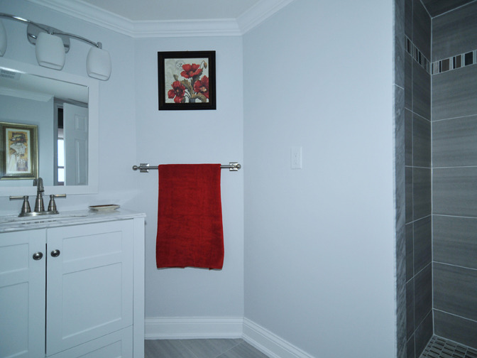 Nineteen Tips To Make A Small Bathroom Look Bigger With - Colors that make a small bathroom look bigger