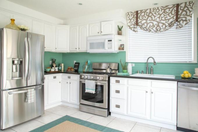 Low Cost Coastal Design Kitchen Makeover