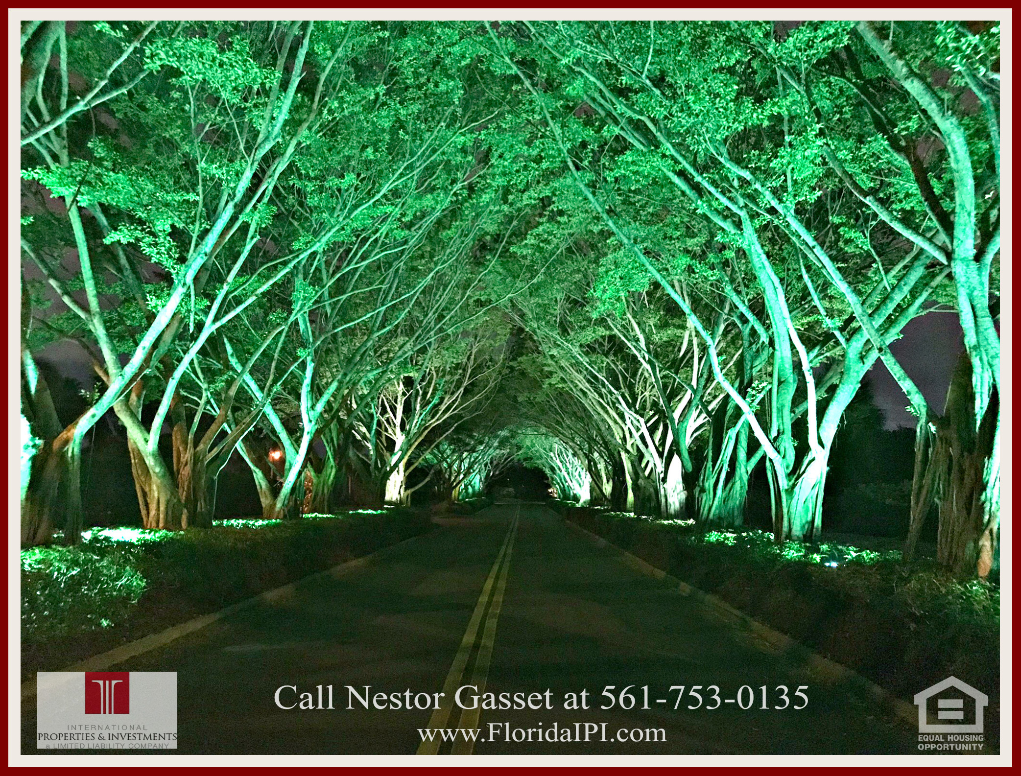West Palm Beach Fl golf course community estate home for sale - Beautiful lighted tree lined streets will guide at night as you drive to this home for sale in The Preserve at Ironhorse.
