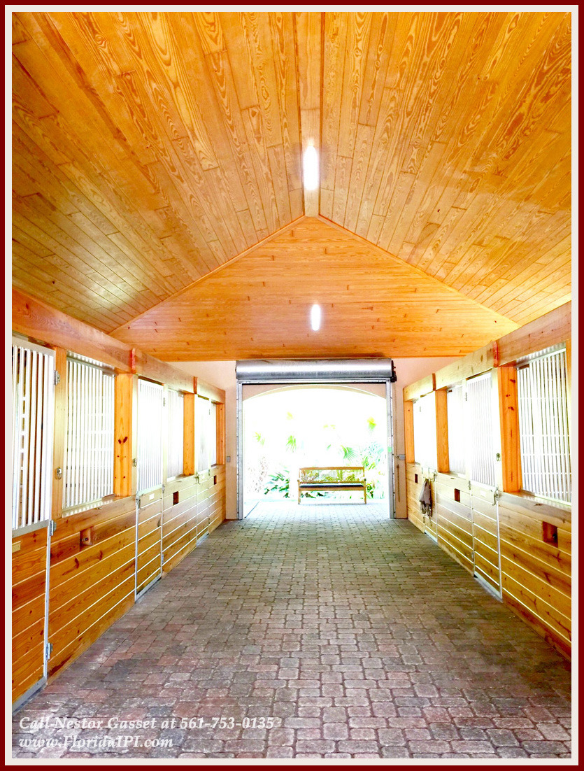 Equestrian Homes For Sale in Fox Trail Loxahatchee FL - 1092 Clydesdale Dr Loxahatchee FL 33470 - Barn