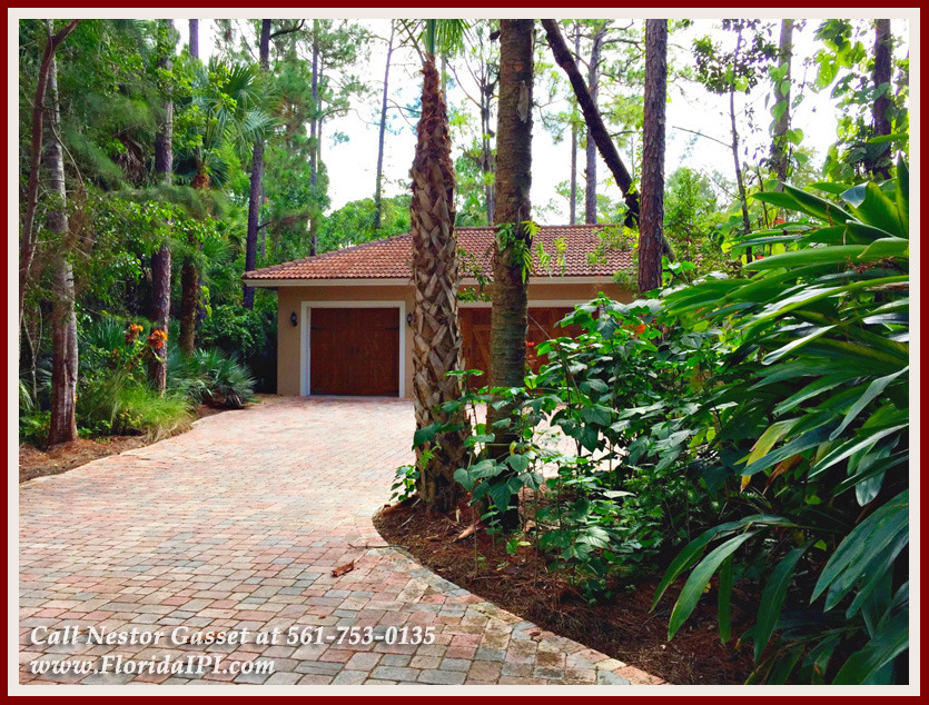 Equestrian Homes For Sale in Fox Trail Loxahatchee FL - 1154 Clydesdale Dr Loxahatchee FL 33470 - Three Car Garage