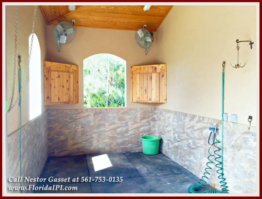 Equestrian Homes For Sale in Fox Trail Loxahatchee FL - 1154 Clydesdale Dr Loxahatchee FL 33470 - Wash and Groom Stall