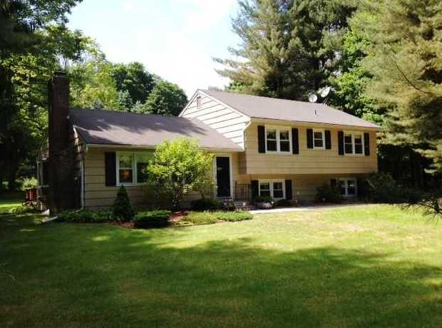 median home sold in Southbury CT