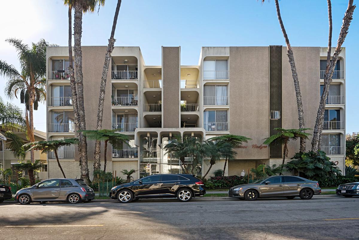 Long Beach Condo For John Alesi Realtor Street View1