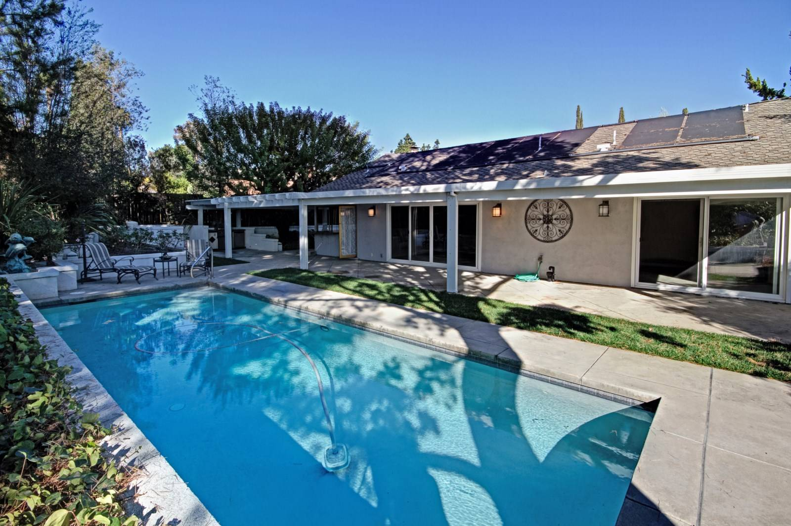 Mission viejo 3 bedroom pool home for sale for 3 bedroom house with pool